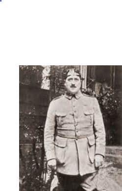 On voit la photo de Guillaume Apollinaire blessé au retour de la guerre, photo souvent utilisée pour la biographie du poète.